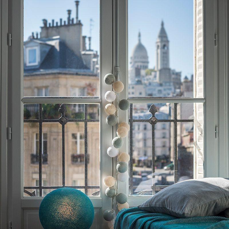 suggestions premium une chambre montmartre la case de. Black Bedroom Furniture Sets. Home Design Ideas
