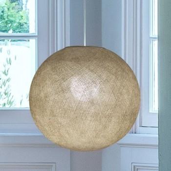 Globe ficelle allumé