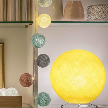 Globe jaune allumé
