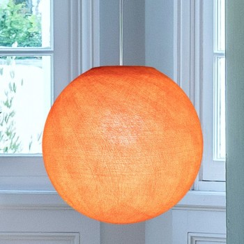 Abat jour globe orange flash allumé