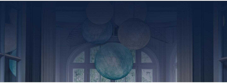 Créez une suspension colorée originale avec nos globes et coupoles.